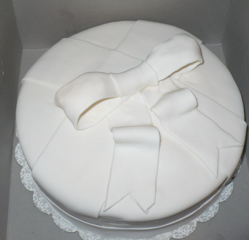Fondant Cake with White Bow